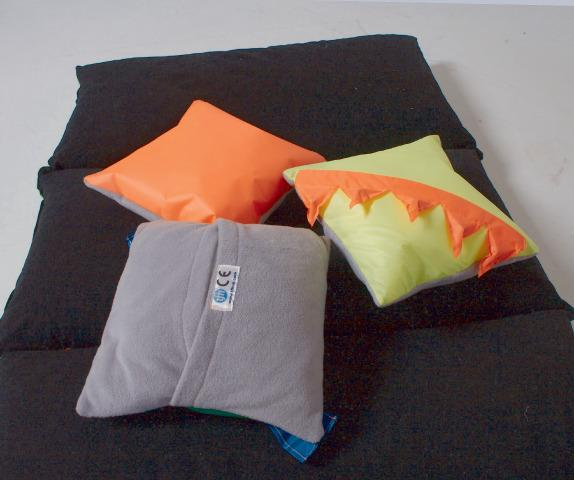 Noisy Pillows
