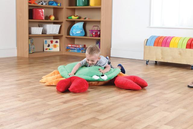 Resonance Crab Cushion