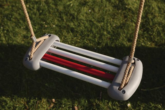 Skeleton Swing