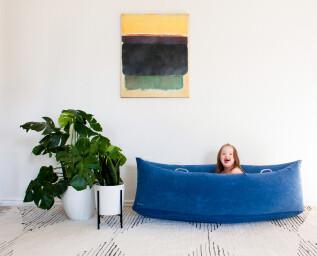 Hug Boat - Inflatable Pea Pod