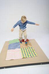Crunchy Tactile Blanket 94x140cm