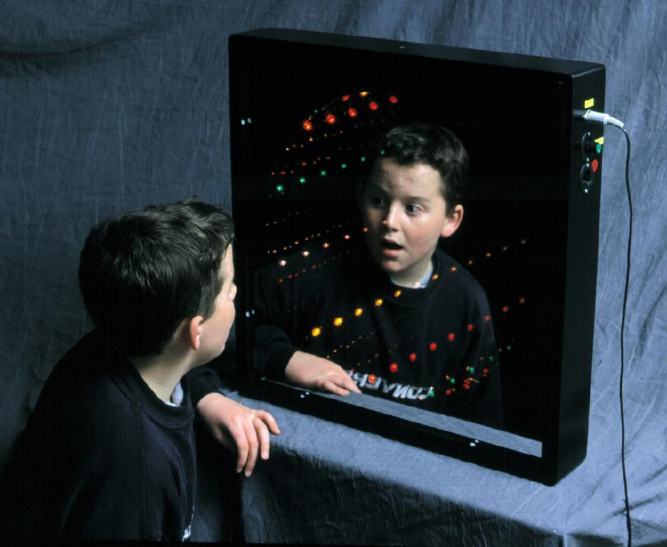 Infinity Tunnel - Sound Sensitive Sensory Toy